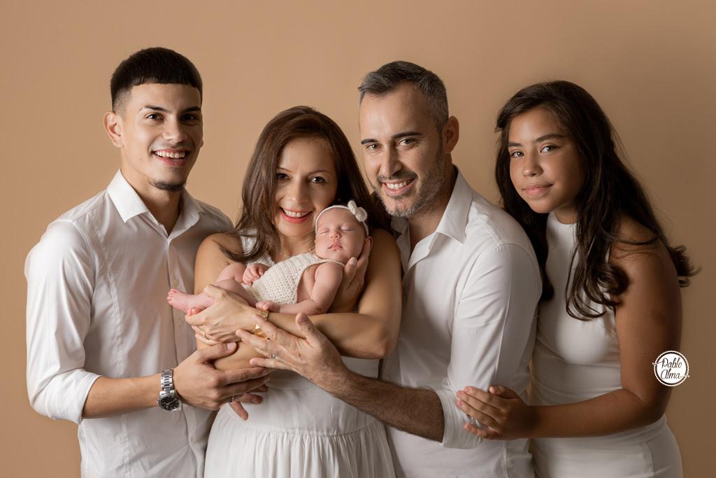 Familia de 5 - Bebé recién nacida