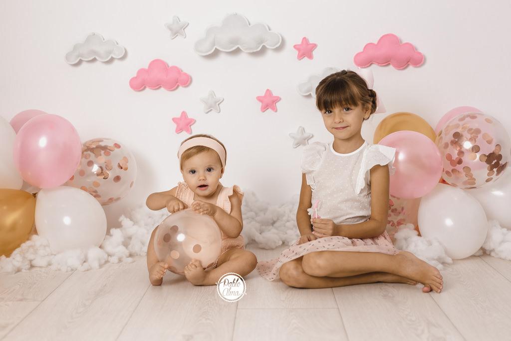 Foto de cumpleaños con hermanas o hermanos