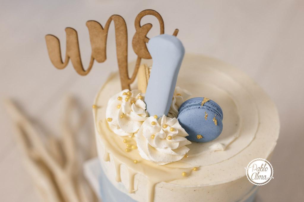 Tarta con topper para Smash Cake - Fotos Primer Cumple