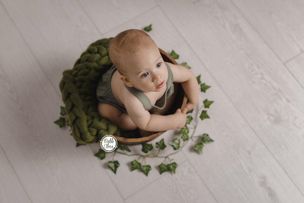 Foto de Bebé en cubito