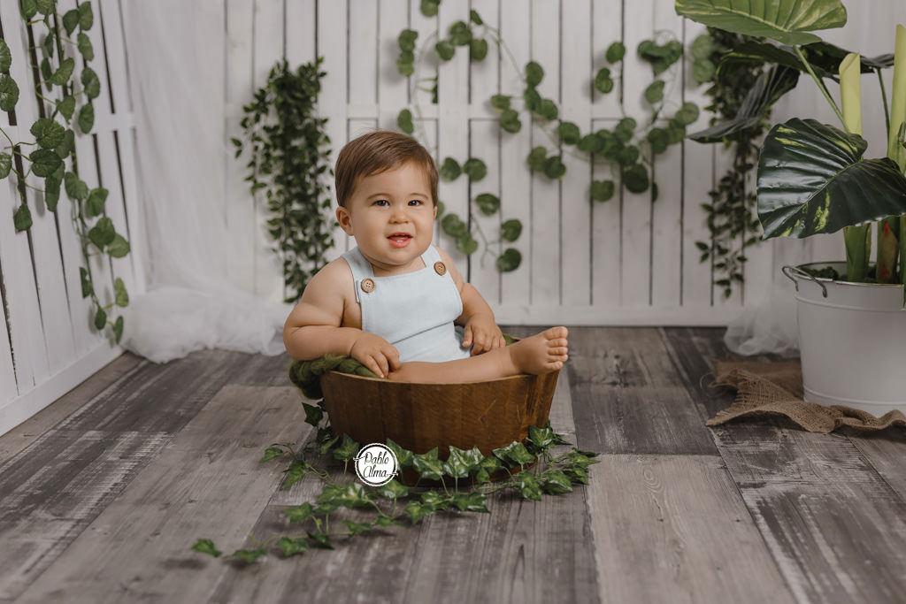 Bebé en un cubito