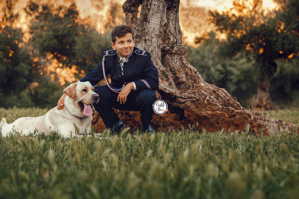 Foto de Comunión de Niños con Perro