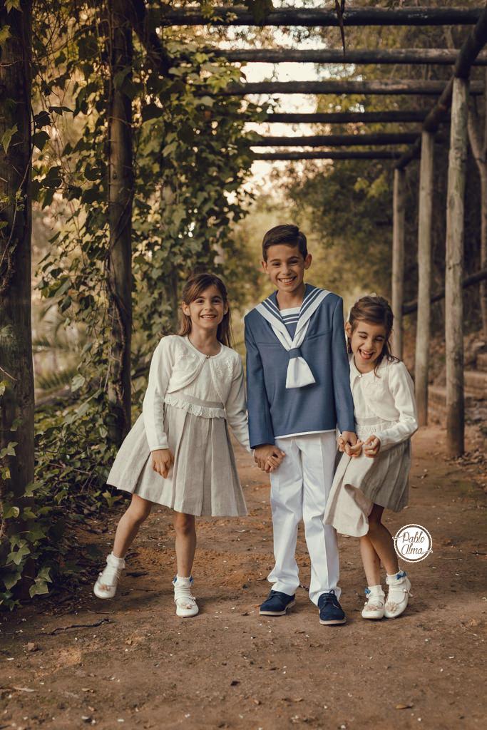 3 hermanos - Comulgante + hermanas mellizas