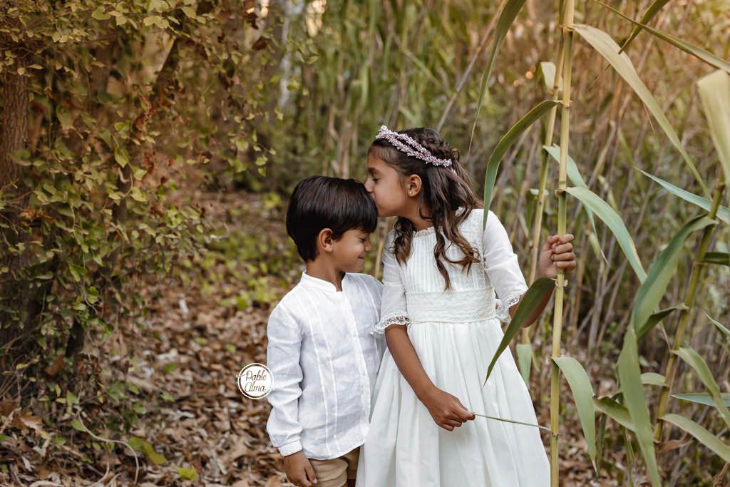 Foto de Comunión de Hermanos dulce y emotiva