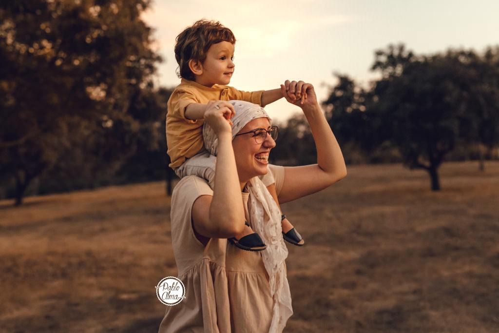 Foto de Familia - A caballito con Mamá