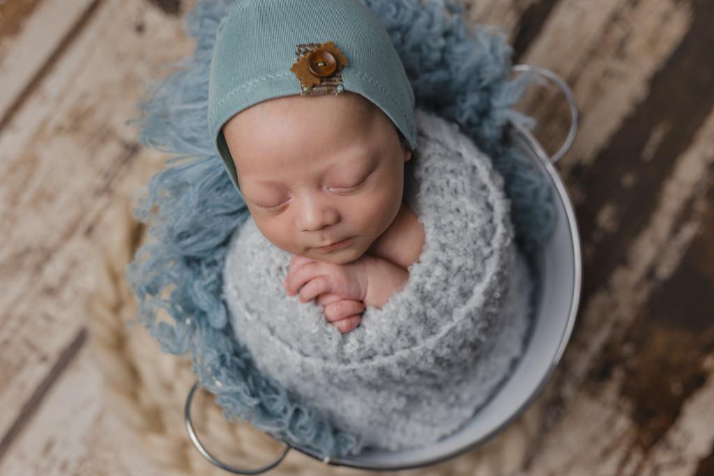 Foto de bebé recién nacido con 15 días o más - envoltura